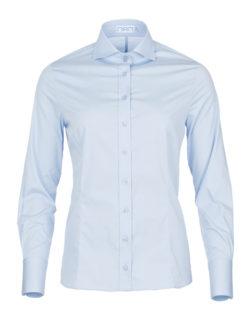 lichtblauwe dames blouse met enkele knoop