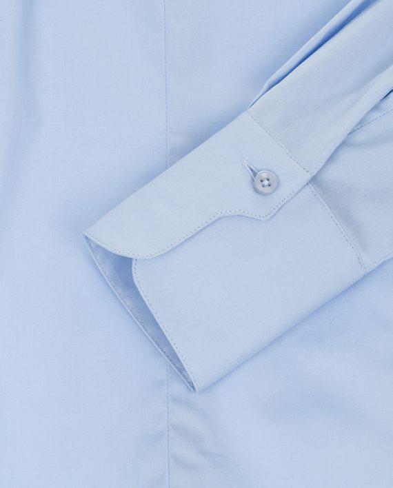 Manchet lichtblauwe dames blouse met enkele knoop